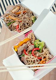 Китайская еда в коробочке